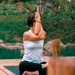Mardi : Vinyassa Yoga à 19h